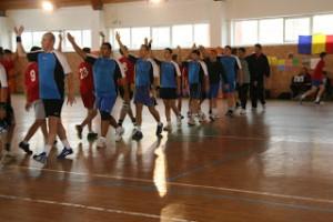Imagine de la HC Giroc v Sântana, 32-21 (15-11), în etapa a IV-a a Campionatului Judeţean Timiş la handbal băieţi. Arădenii din Sântana vor reveni la Giroc şi pentru amicalele de duminică
