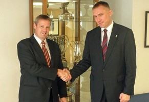 Kamil Novak (dreapta), secretar general FIBA Europe, în inspecţie finală la Timişoara, în fruntea unei delegaţii de 6 membri