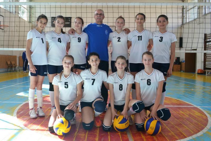 CSȘ Lugoj: vicecampioană națională FRV în Divizia Minivolei (2002/3)