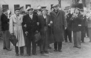 1957: jucătorii de tenis de masă Voina (stângă), Dincă, Sica, Kola