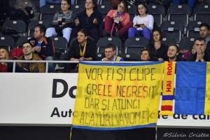 În tribuna Polivalentei din Cluj la un meci al României în calificările pentru EuroBasket Women 2017. Foto: Silviu Cristea