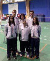 Echipa CSM Timișoara în Grecia, de la stânga: Soare, Hărănguș, Sîrbu, Popescu și Chiosa, împreună cu Corina Dan, antrenor